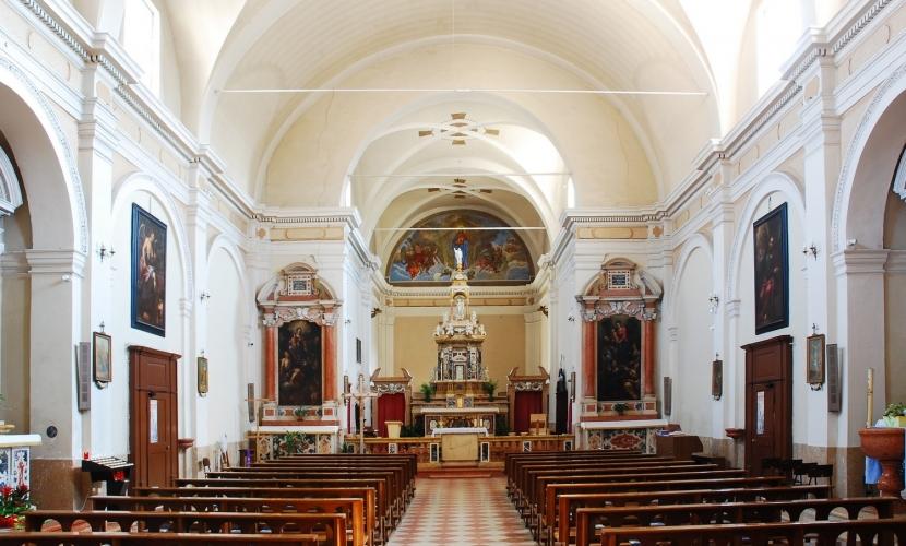 Interni chiesa parrocchiale Villimpenta