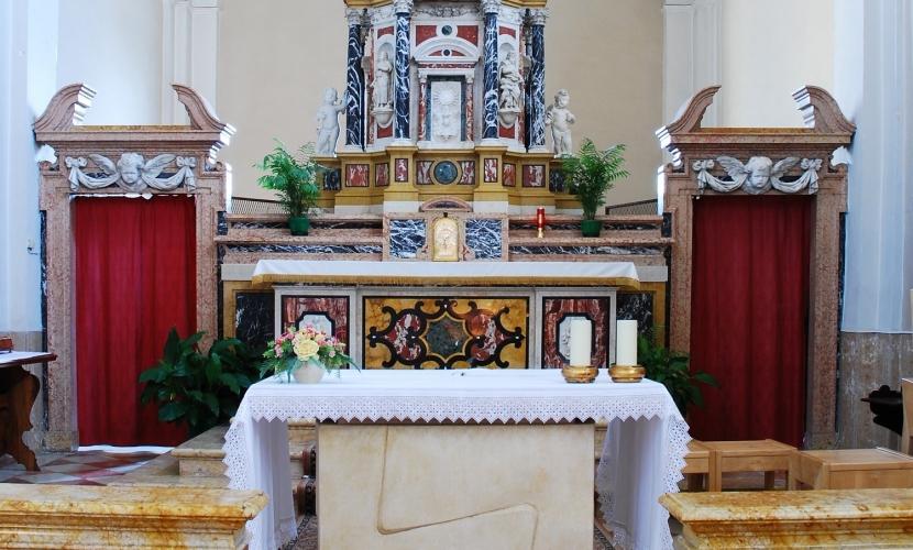 Altare Chiesa di Villimpenta